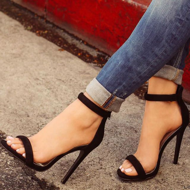 Best 25  High heels ideas on Pinterest | Black heels, Black high ...